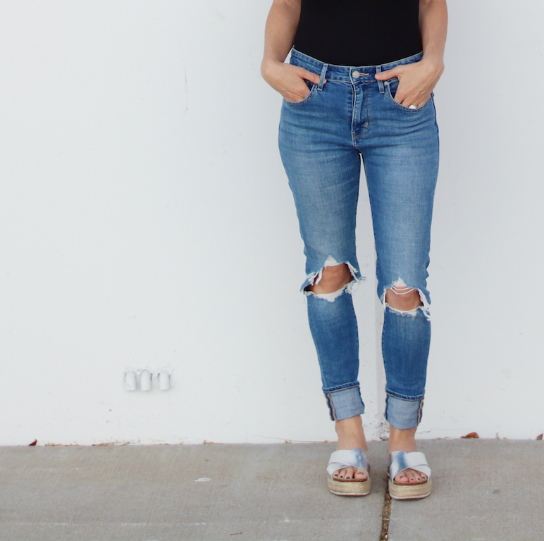 My favorite mom jeans for Fall!